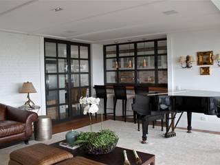 Apartamento São Paulo Salas de estar clássicas por Vaiano e Rossetto Arquitetura e Interiores Clássico