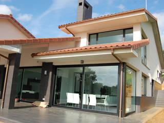 Vivienda Unifamiliar en Noreña: Casas de estilo  de Eva Fonseca estudio de arquitectura
