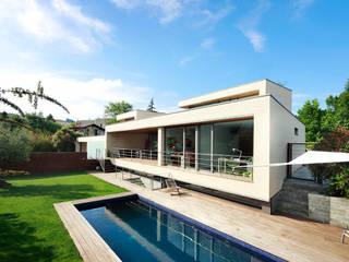 Deux maisons à Hondarribia Maisons modernes par Hoz Fontan Arquitectos Moderne