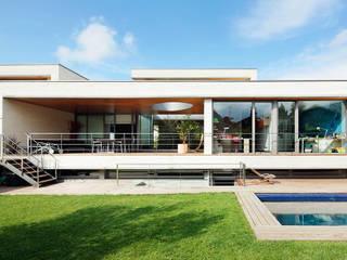 Houses by Hoz Fontan Arquitectos, Modern