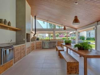 Nautilo Arquitetura & Gerenciamento Modern Pool