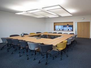 Edificios de oficinas de estilo moderno de Baierl & Demmelhuber Innenausbau GmbH Moderno