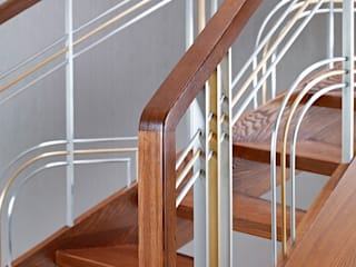 ST770 Nowoczesne schody gięte z jesiony termicznego / ST770 Modern Curved Stairs made of thermo Ash Trąbczyński Koridor & Tangga Modern