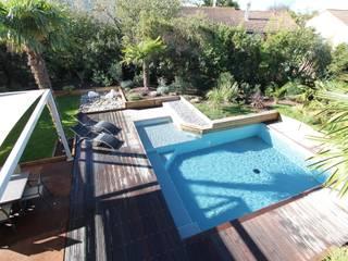 Création d'un jardin avec piscine Piscine moderne par bureau d'etudes jardins KAEL Moderne