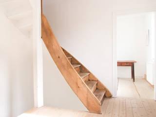 FFM-ARCHITEKTEN. Tovar + Tovar PartGmbB Moderne gangen, hallen & trappenhuizen