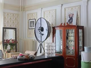 Salas de estilo ecléctico de Atelier Interior Ecléctico