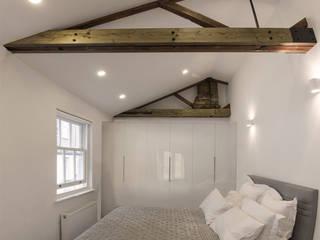 Спальни в . Автор – R+L Architect