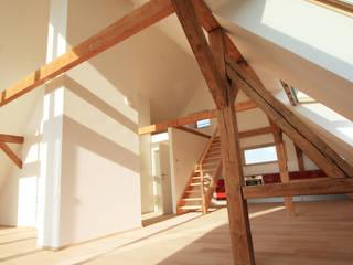 Modern Living Room by christina patz architektur energieberatung Modern