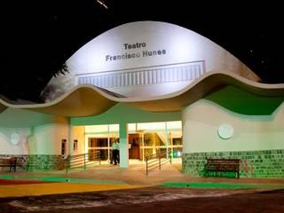Fachada Frontal: Centros de congressos  por Lazuli Arquitetura