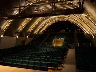 Vista Platéia: Centros de congressos  por Lazuli Arquitetura