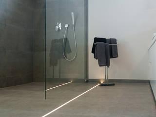 Classic style bathroom by Ewa Weber - Pracownia Projektowa Classic