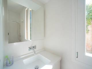 Silvia Bortolini architetto Salle de bain minimaliste