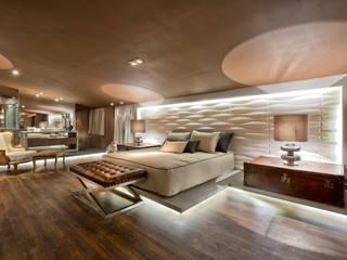Riskalla & Mueller Arquitetura e Interiores Modern style bedroom