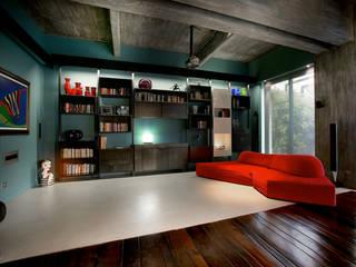 Salas / recibidores de estilo  por mg2 architetture, Industrial