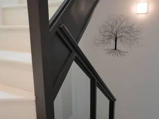 Flur & Diele von Izabela Widomska Interiors