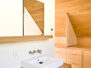 Laurelhurst Carriage House Modern bathroom by PATH Architecture Modern