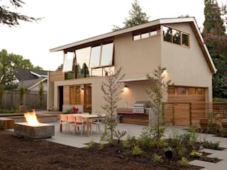 Laurelhurst Carriage House Modern home by PATH Architecture Modern