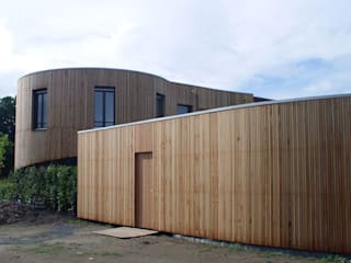 Modern garage/shed by Florian Eckardt - architectinamsterdam Modern