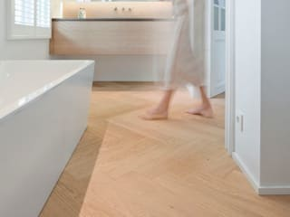 Nobel flooring Modern style bathrooms