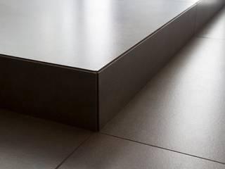 Paredes y pisos de estilo moderno de Fersini Marco - Pavimenti e Rivestimenti interni ed esterni Moderno