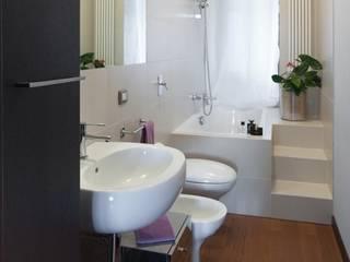 모던스타일 욕실 by gk architetti (Carlo Andrea Gorelli+Keiko Kondo) 모던
