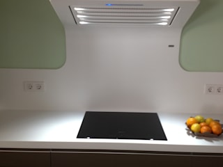 Wall Hood CURVE made of Corian by Dupont par PANDO Moderne