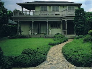 明治西洋館風アンティーク・クラッシック調の家: 株式会社 山本富士雄設計事務所が手掛けた家です。