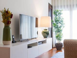 Sala Comum_Zona de Estar, móvel TV Salas de estar modernas por Traço Magenta - Design de Interiores Moderno