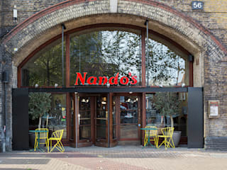 Nando's Vauxhall, London by Moreno Masey Еклектичний