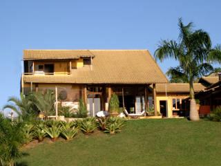 Casas tropicales de Mascarenhas Arquitetos Associados Tropical