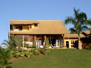 Mascarenhas Arquitetos Associados Case in stile tropicale