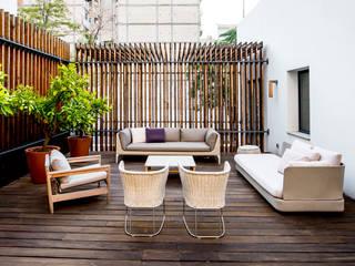 Balconies, verandas & terraces  by Naharro