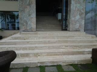 Mediterranean corridor, hallway & stairs by CAMASA Marmores & Design Mediterranean
