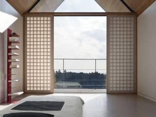 ARCHITECT GROUP CAAN Dormitorios de estilo moderno