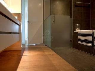 Salle de bain moderne par BVO Vloeren Moderne