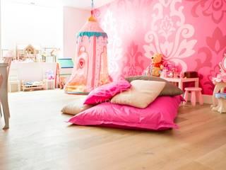 Chambre d'enfant moderne par BVO Vloeren Moderne