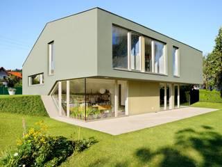 Split-Level-Haus in Wildon Moderne Häuser von KARL+ZILLER Architektur Modern