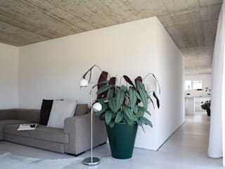 Low Budget Haus in Leutkirch Moderne Wohnzimmer von KARL+ZILLER Architektur Modern