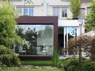 Ambassade à Luxembourg Espaces de bureaux modernes par RM archi sàrl Moderne