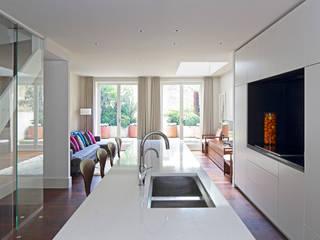 Redesdaale Street Chelsea Basement Development Kitchen:  Kitchen by Shape Architecture