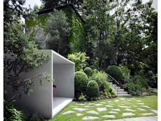 Smoking Pavilion Modern garden by Gianni Botsford Architects Modern