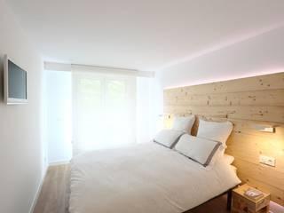 Reforma integral de vivienda Dormitorios de estilo escandinavo de ILIA ESTUDIO Escandinavo