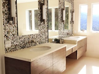 Black Lip Mother of Pearl in Bathroom Renovation in Kentfield, California, USA ShellShock Designs ห้องน้ำ