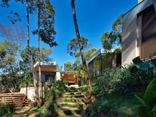 Casa MR: Jardins modernos por Humberto Hermeto