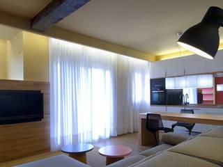 Cocina Salón San Fausto.. Salones de estilo moderno de Estudio TYL Moderno