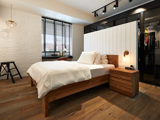 Industrial style bedroom by Eightytwo Industrial