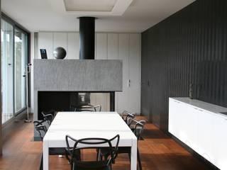 Agencement d'un appartement à Carouge.: Salle à manger de style  par Sylvia Junge Architecte