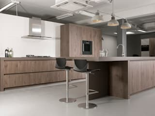 Country style kitchen by NewLook Brasschaat Keukens Country