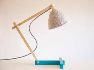 """""""Metamorfozis"""" lampe de bureau fait de pâte de bois et du papier,stuc par Crea-re Studio Industriel"""