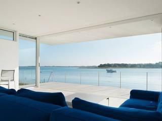 Beach House on Hayling Island Modern living room by Heat Mat Limited Modern
